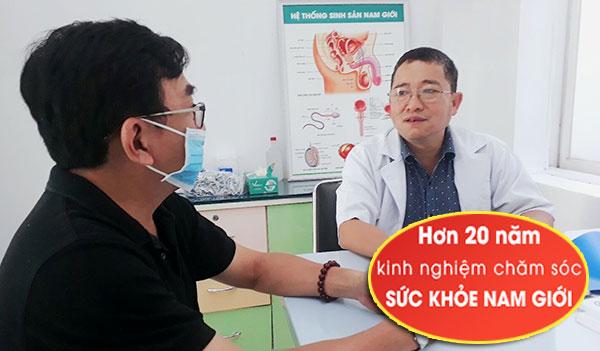 Bác sĩ nam khoa Phạm Trung Hòa làm việc tại Bệnh Viện 7C